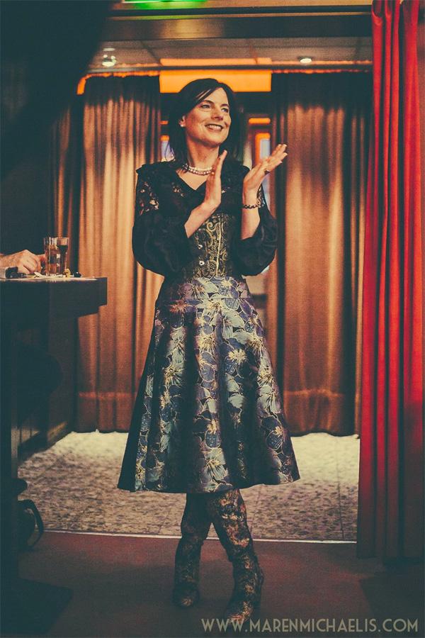 Marijn van der Waa at Dr Sketchy's Berlin - Photo by Maren Michaelis